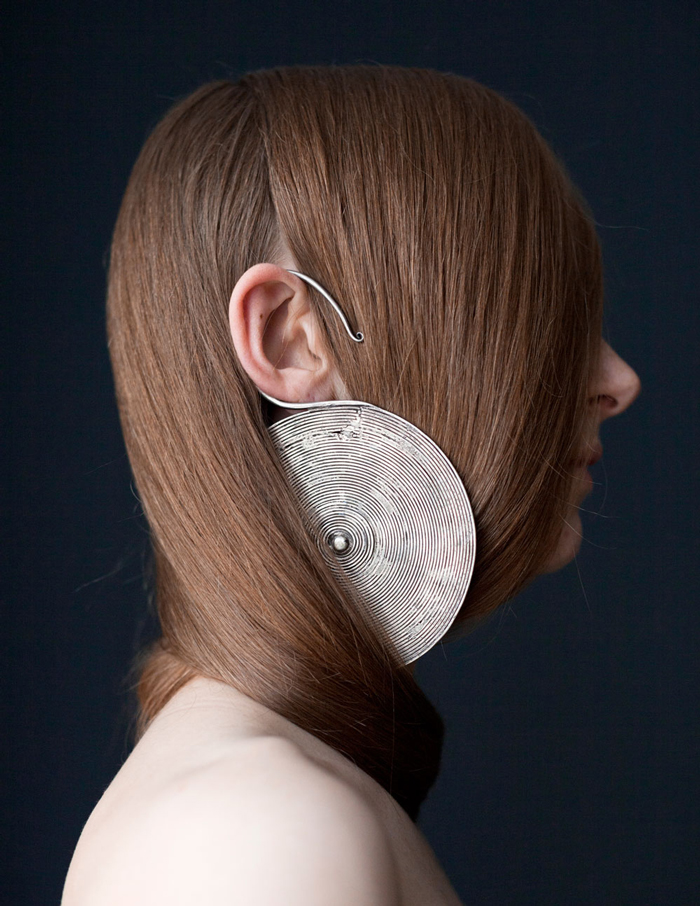 SOMETHINGABOUTMAGAZINE - Sculptural Earring
