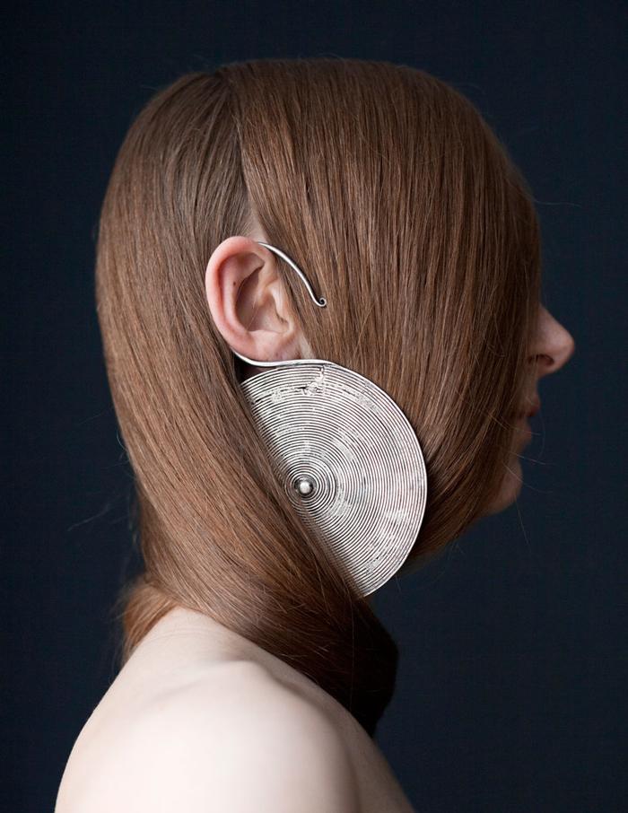 SOMETHINGABOUTMAGAZINE - Sculptural Earring